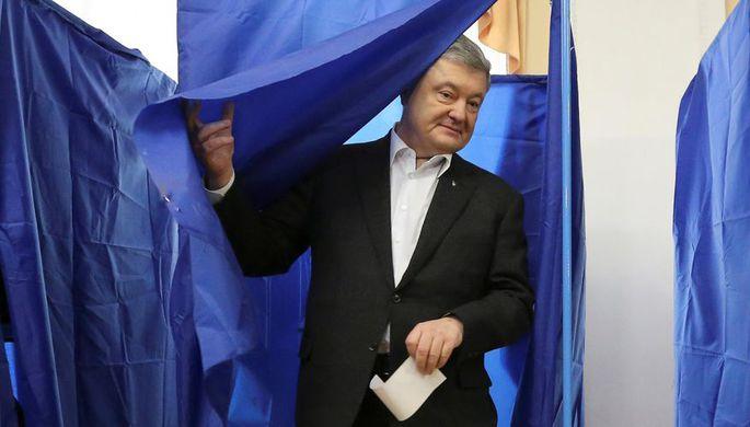 Петр Порошенко на избирательном участке