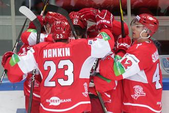 Спартаковцы радуются одному из голов в матче с минским «Динамо»