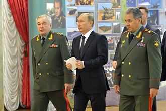Президент Владимир Путин потребовал к 2014 году укомплектовать армию на 100%