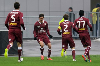 Футболисты «Рубина» праздную забитый мяч