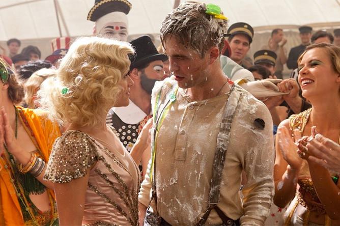 Кадр из фильма «Воды слонам!» (2011)