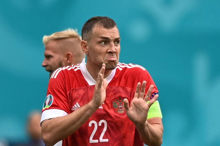 Капитан сборной России Артем Дзюба в матче Евро-2020