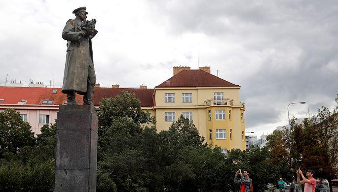 Памятник маршалу Коневу в Праге, сентябрь 2019 года