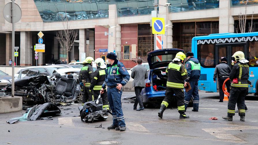 Пять автомобилей столкнулись на Садовом кольце в Москве