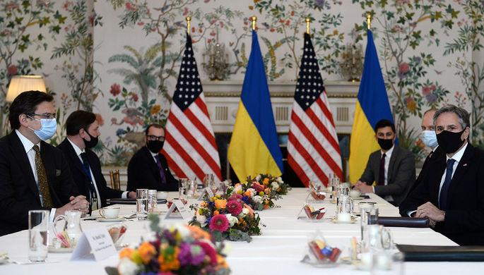 Встреча главы Госдепа Энтони Блинкена и украинского МИД Дмитрия Кулебы в Брюсселе, 13 апреля 2021 года