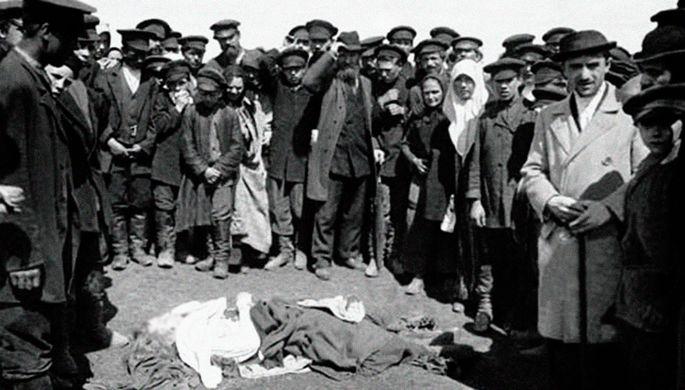 «Толкотня, давка, вой»: как москвичи гибли из-за кружек на Ходынке
