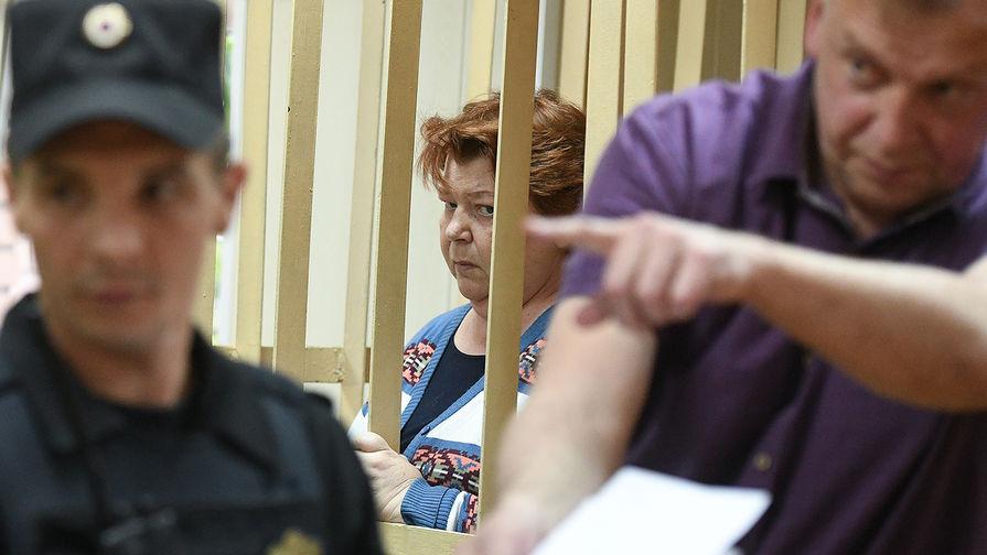 Бывший главный бухгалтер театральной труппы «Седьмая студия» Нина Масляева в Пресненском суде Москвы, 27 мая 2017 года