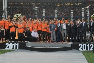 Донецкий «Шахтер» выиграл чемпионат и Кубок Украины