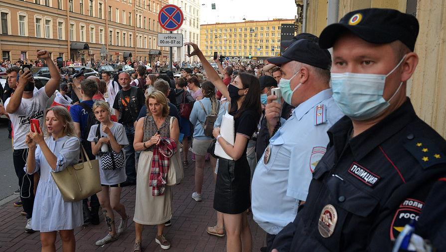 Ситуация у посольства Белоруссии в Санкт-Петербурге, 9 августа 2020 года