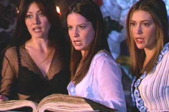 Кадр из сериала «Зачарованные» (1998)