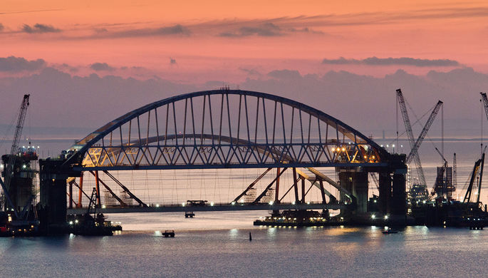 Строительство Крымского моста через Керченский пролив, октябрь 2017 года