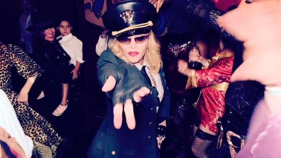 Мадонна может оказаться под судом