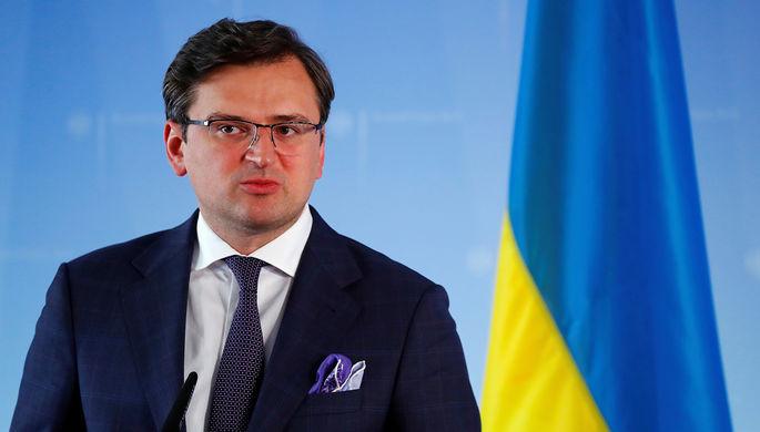 Глава МИД Украины Дмитрий Кулеба во время пресс-конференции в Берлине, 2 июня 2020 года