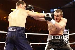 Александр Алексеев (<i>слева</i>) против Дениса Лебедева