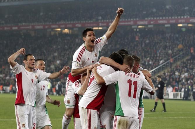 Венгры забили спасительный мяч в Стамбуле