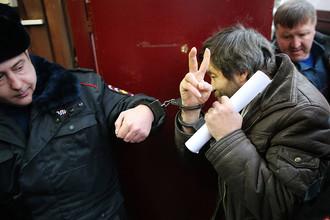 Сергею Мохнаткину предъявлено обвинение в нападении на сотрудника полиции 31 декабря 2013 года