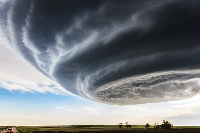 Этот снимок сделан в так называемой Аллее торнадо, а точнее – в ее части, расположенной на...
