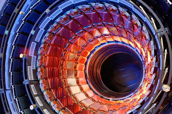 На Большом адронном коллайдере открыли новую частицу