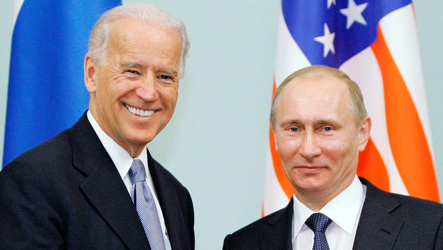 Песков не стал комментировал слова Трампа о том, что Путин насмехается над Байденом