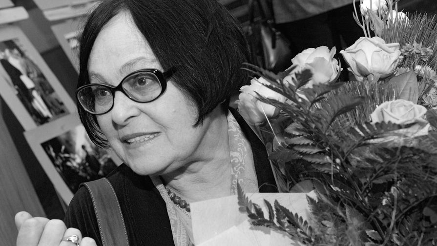 <b>Кира Муратова (5 ноября 1934 &mdash; 6 июня 2018). </b> Советский и украинский кинорежиссер, сценарист и актриса. Народная артистка УССР