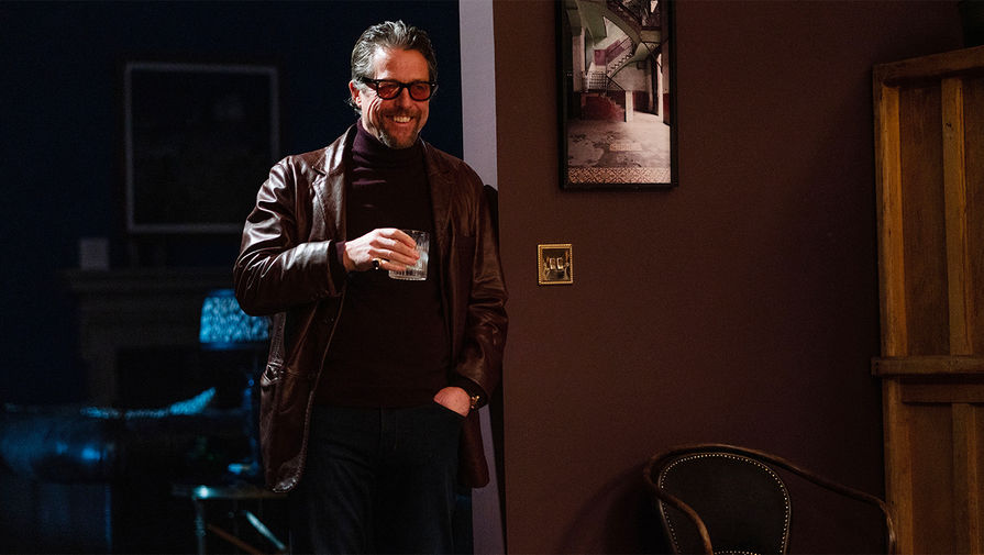 Хью Грант в кадре из фильма «Джентльмены» (2020)