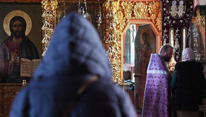 Крестный ход вместо Путина: почему в храме убрали панно