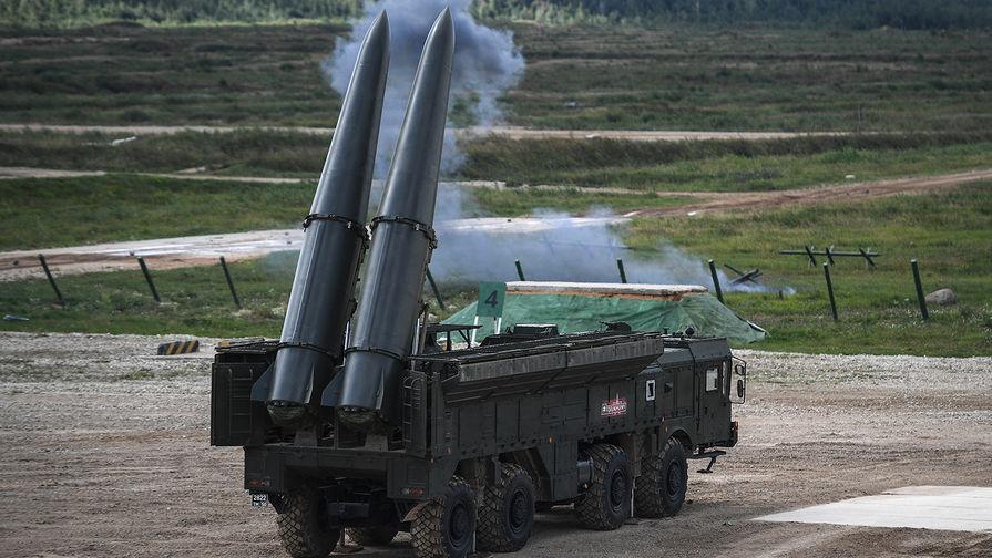 Ракетный комплекс «Искандер-М» во время динамической экспозиции на выставке «Армия России – завтра» в рамках IV Международного военно-технического форума «Армия-2018» в Кубинке.