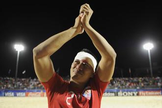 Игрок сборной Таити Анжело Тчен, несмотря на разбитую голову, нашел в себе силы порадоваться победе над аргентинцами