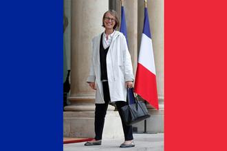 Министр культуры Франции Франсуаз Ниссен перед первой встречей кабинета в Елисейском дворце, 18 мая 2017 года