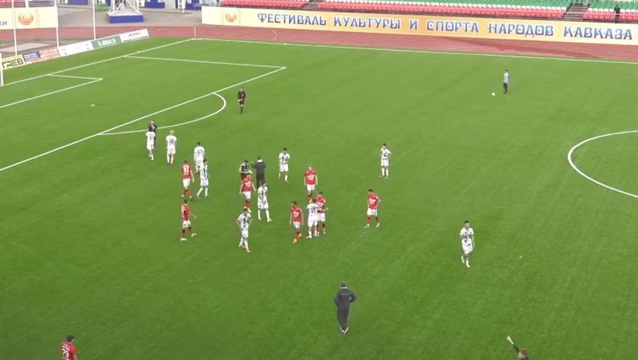 «Ахмат» подтвердил увольнение ударившего судью сотрудника клуба