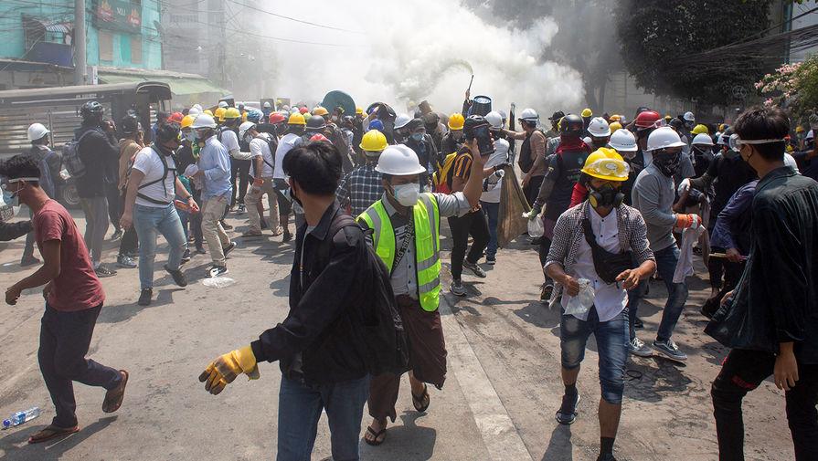 В Мьянме число погибших достигло 557