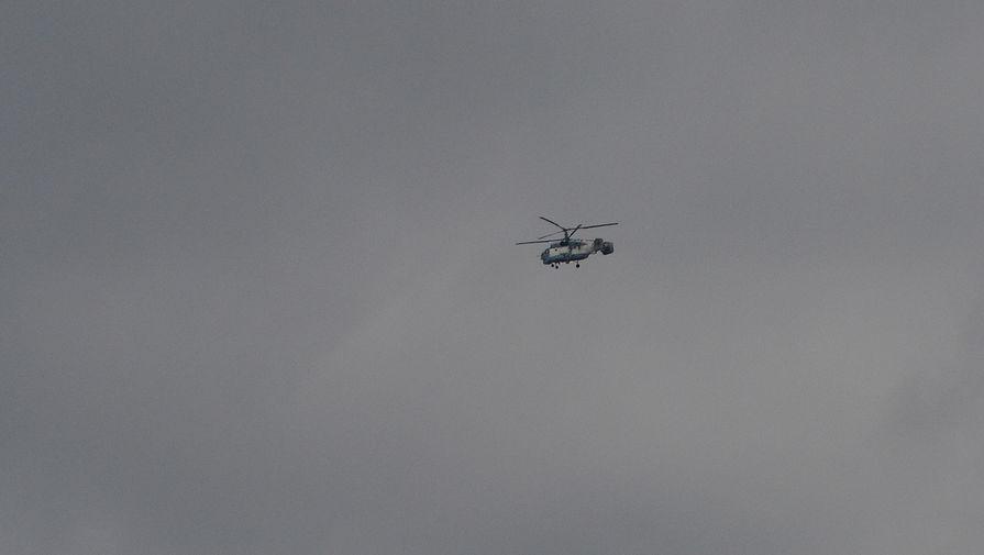 Вертолёт Ка-32, выполняющий поисково-спасательные работы у побережья Черного моря, где потерпел крушение самолет Минобороны РФ Ту-154