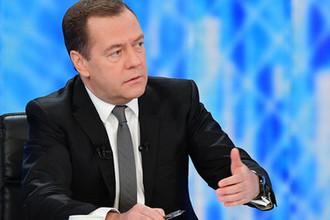 Премьер-министр России Дмитрий Медведев во время интервью журналистам пяти российских телеканалов по итогам работы правительства в текущем году, 6 декабря 2018 года