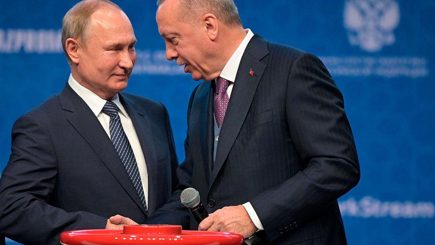 Президент РФ Владимир Путин и президент Турции Реджеп Тайип Эрдоган на церемонии официального открытия газопровода «Турецкий поток» в Стамбуле, 8 января 2020 года