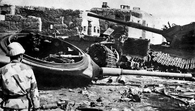 Уничтоженные израильские танки возле египетского города Исмаилия, 1973 год