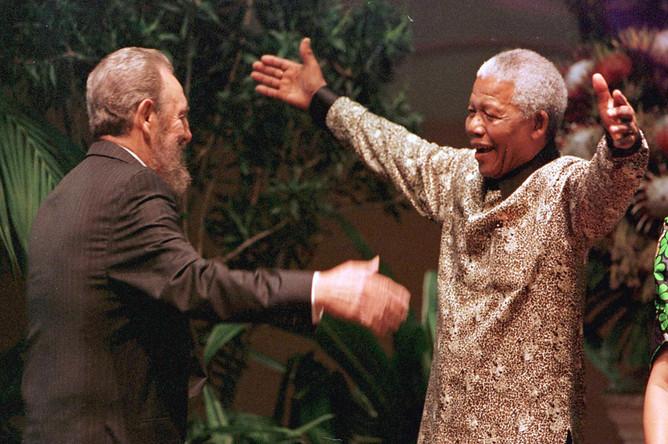 Фидель Кастро и Нельсон Мандела. 1998 год