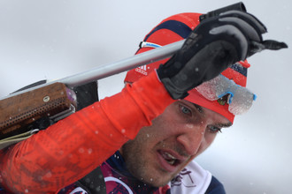 Российский биатлонист Евгений Гараничев стал вторым в мужском спринте на 10 км на этапе Кубка мира по биатлону в Хольменколлене