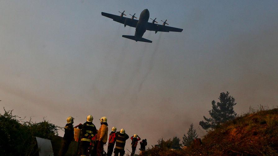 Военный самолет Чили с 38 людьми разбился по пути в Антарктиду