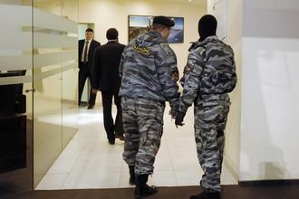 ОМОН проводит обыски в офисном здании группы Kopernik Group