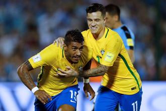 Хет-трик Паулиньо помог Бразилии разгромить Уругвай в квалификационном матче чемпионата мира 2018 года