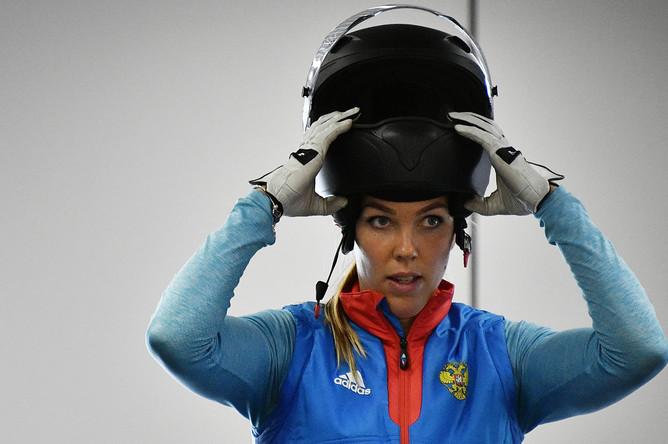 Надежда Сергеева во время тренировки в день открытых дверей Федерации бобслея России, 2017 год