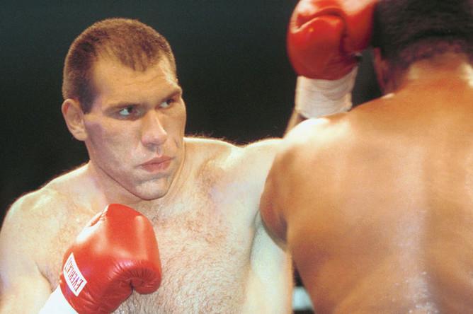 Боксер из Санкт-Петербурга Николай Валуев, июль 2001 года