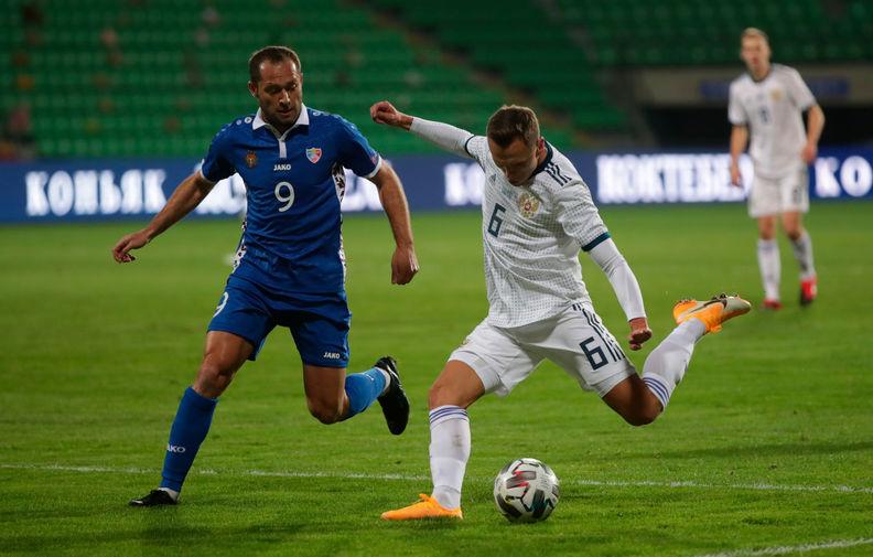 Во время товарищеского матча между сборными командами Молдавии и России в Кишиневе, 12 ноября 2020 года