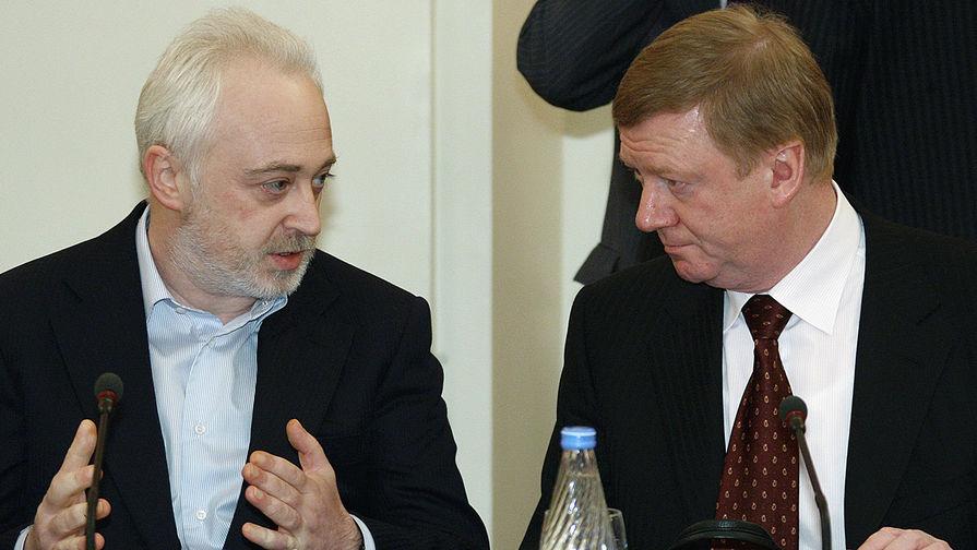 Леонид Меламед и Анатолий Чубайс во время заседания в Доме правительства России в Москве, 2009 год