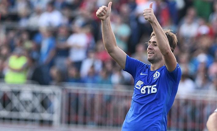 Для полного комплекта лидирующему «Локомотиву» не хватает левоногого защитника и нападающего