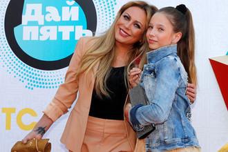 Певица Юлия Началова с дочерью Верой, 2018 год