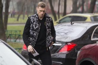 Нападающий московского «Динамо» Павел Погребняк — еще в бытность игроком английского «Рединга» — в 2015-м попался на нетрезвом вождении. На него завели дело об административном правонарушении и в итоге лишили прав на 1,5 года и оштрафовали на 30 тыс. руб.