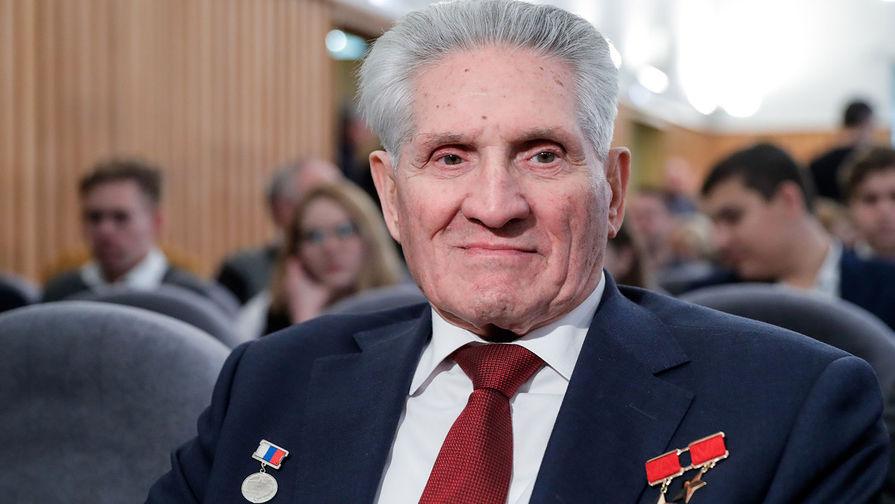 Дважды Герой Советского Союза, летчик-космонавт СССР, командир корабля «Союз-5» Борис Волынов