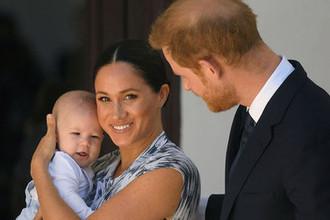 Арчи и архиепископ: сын принца Гарри посетил официальную встречу