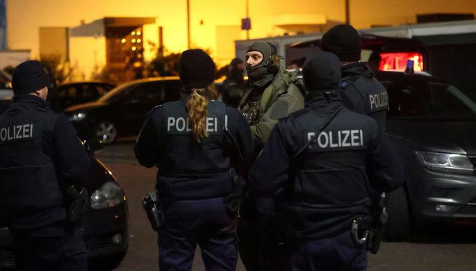 Целился в детей: автомобиль въехал в толпу на параде в Германии